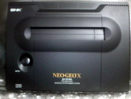 NEOGEOXの本体